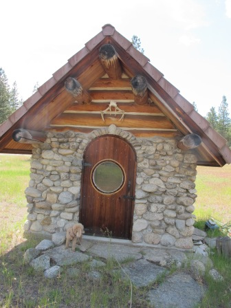 a smaller tack shack near a now unused horse corral may have been the 'practice' for the stone work before building the cabin